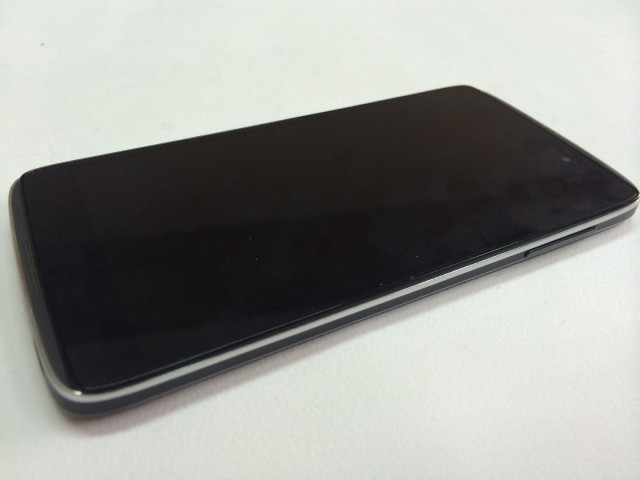 Alcatel OneTouch Idol 3  (1)