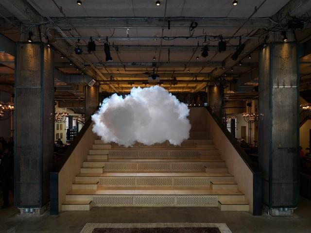 berndnaut-smilde-cloud