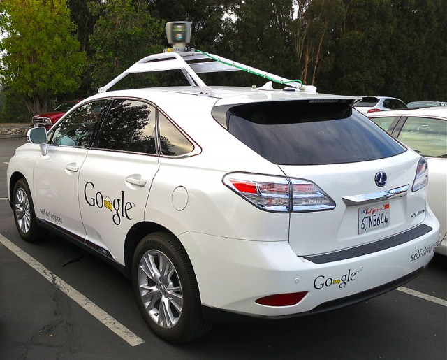 800px-Google's_Lexus_RX_450h_Self-Driving_Car