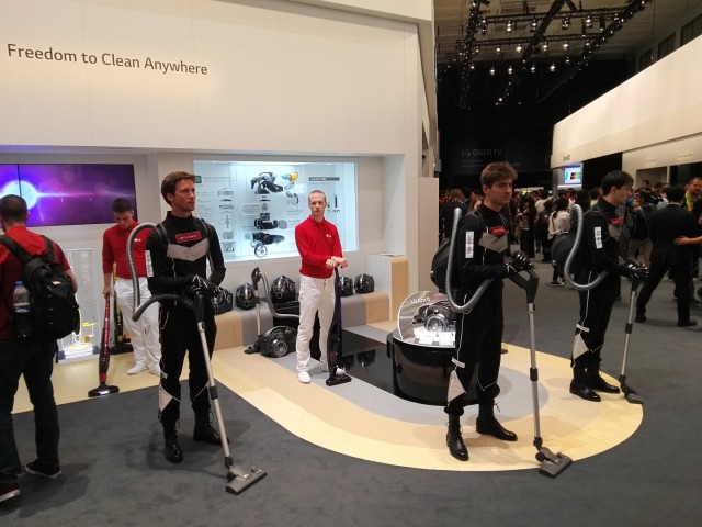 LG Booth Tour IFA 2015 (4)