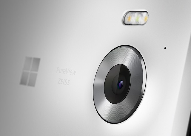 Lumia_950_Marketing_04_White