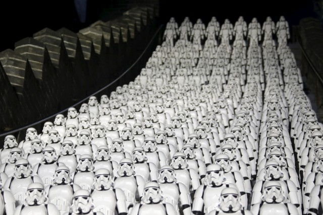stormtroopers-great-wall-of-china-1