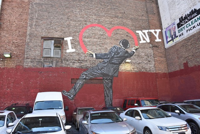 Nick_Walker_Love_Vandal_at_17th_and_6th_Ave_Manhattan