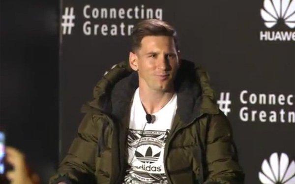 Messi Huawei Ambassador (2)