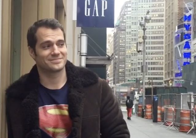 henry-cavill-times-square-instagram_nvqi9t
