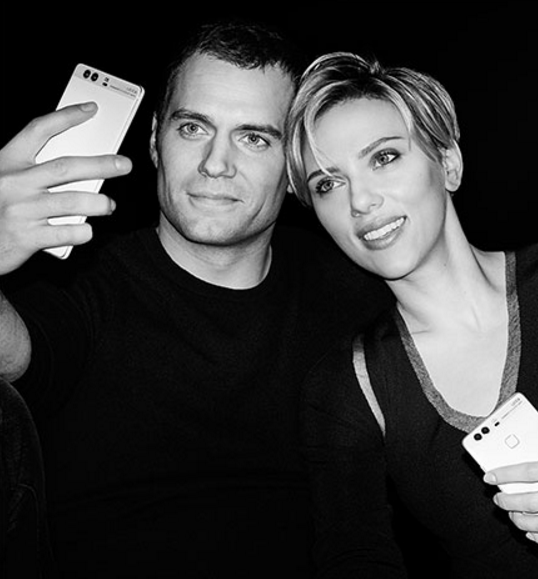 Henry-Cavill-and-Scarlett-Johansson-with-the-Huawei-P9