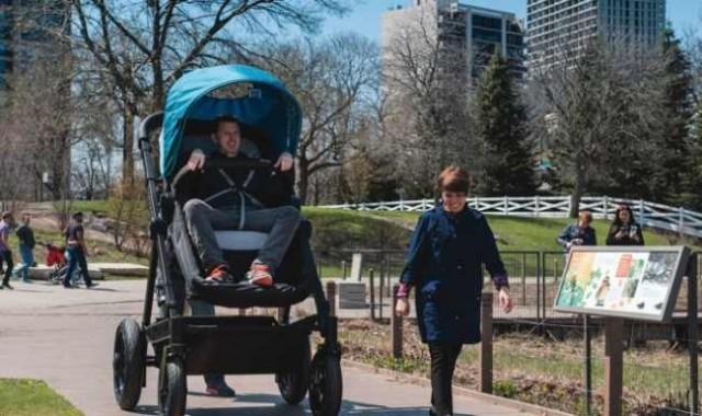 Kolcraft-parent-sized-stroller