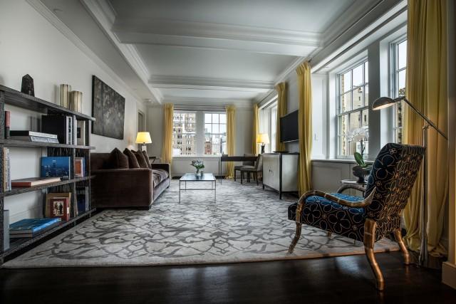 Mark-Premier-Two-Bedroom-Suite-Living-Room-2000x1333