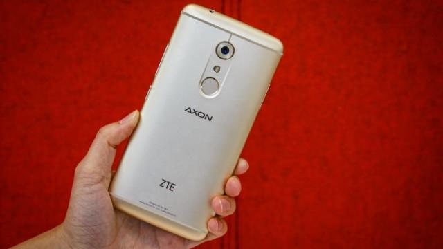 zte-axon-7-8875-002