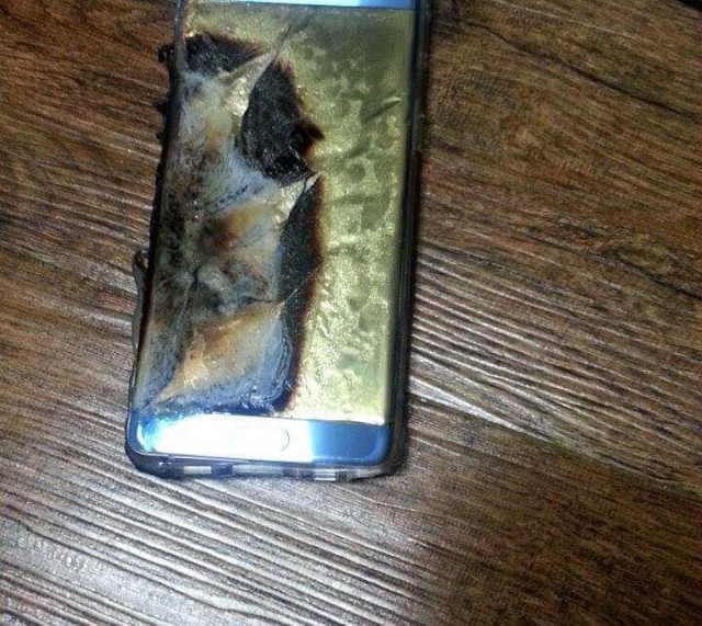 Galaxy Note 7 explodes4