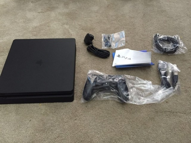 PlayStation 4 Slim 2