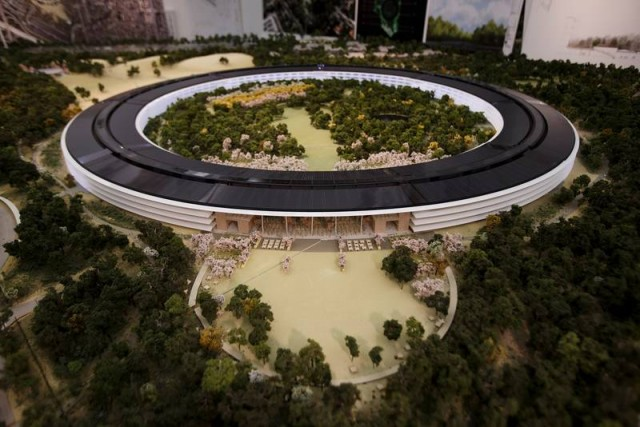 apple campus 1