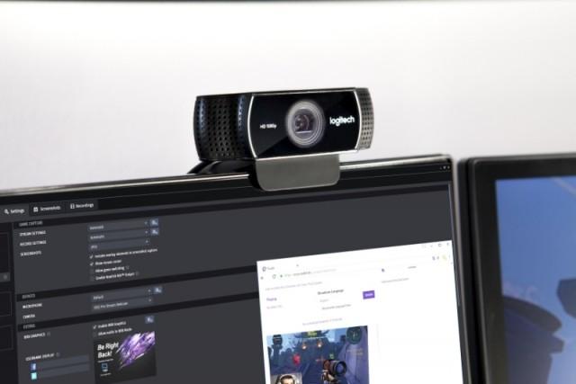 logitech-c922_pro_stream_webcam_lifestyle-61