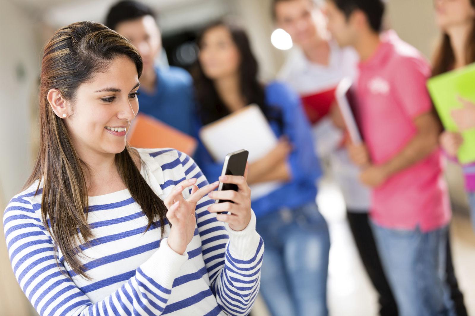 essays on cellphones in school