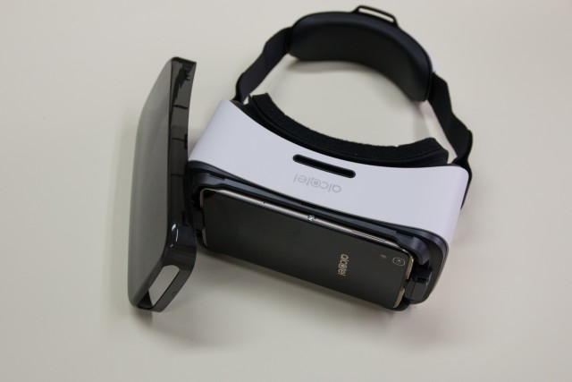 idol-4s-alcatel-vr-glasses-12