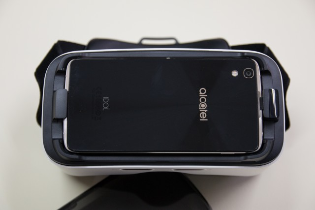 idol-4s-alcatel-vr-glasses-14
