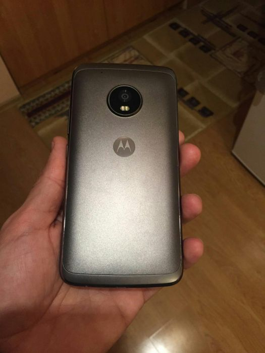 alleged-moto-g5-plus2