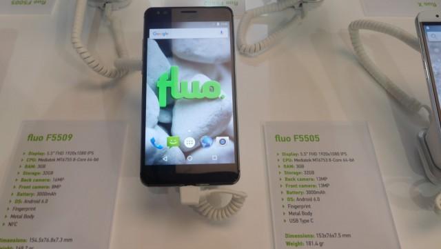 Fluo Smartphones (3)