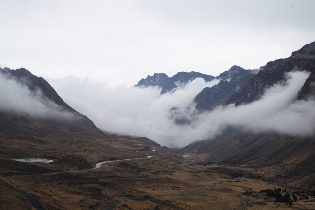 Scenery-Yungas-Road-Bolivia-full_282845-1024x682