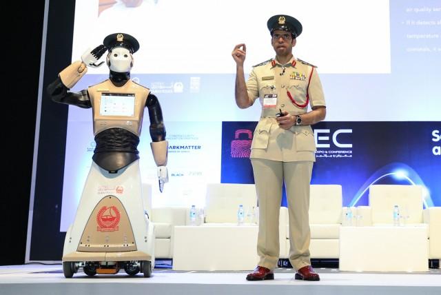 Robocop_Dubai-Police_03