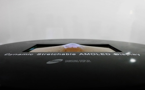 stretchable amoled display