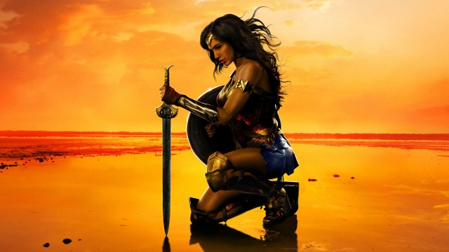 wonder_woman-movie-2017-kneeling-(13811)