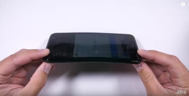 HTC U 11 durability test