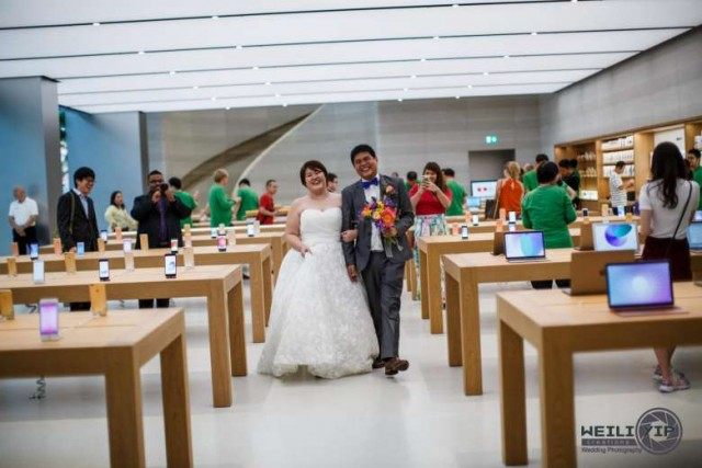 apple-store-wedding-01