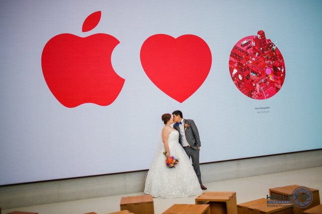 apple-store-wedding-02