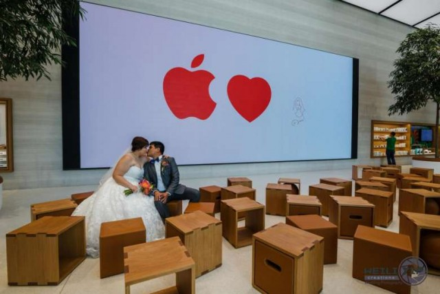 apple-store-wedding-03