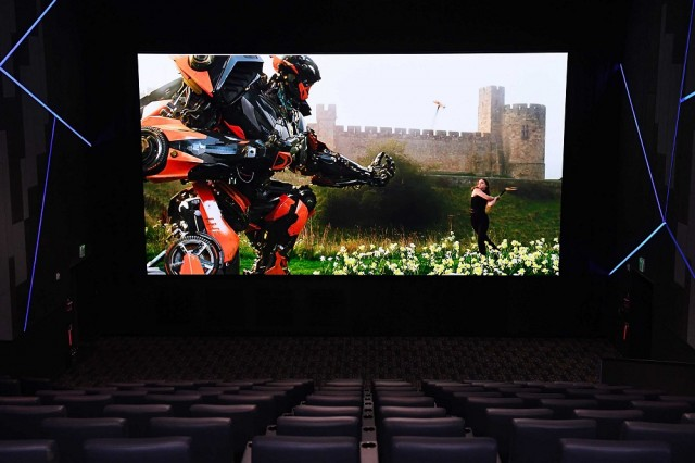 Samsung Cinema-LED-Screen-3