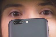 Η μάχη των καμερών: OnePlus 5 vs iPhone 7 Plus vs Samsung Galaxy S8 (video)