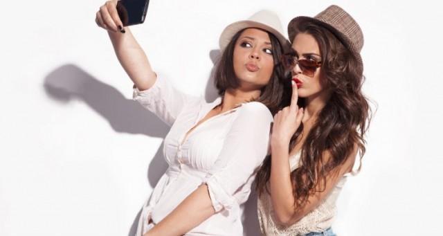 woman-selfie