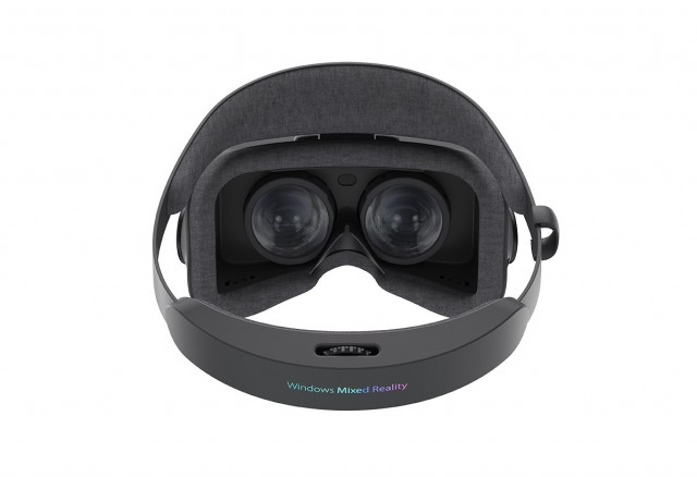ASUS-Windows-Mixed-Reality-Headset_3K-resolution