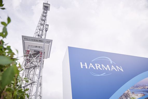 2015_HARMAN_IFA_DAY_1_2_+47_mid