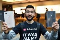 Στήθηκε στην ουρά 11 μέρες για να πάρει πρώτος το iPhone 8 και τώρα …δεν το θέλει