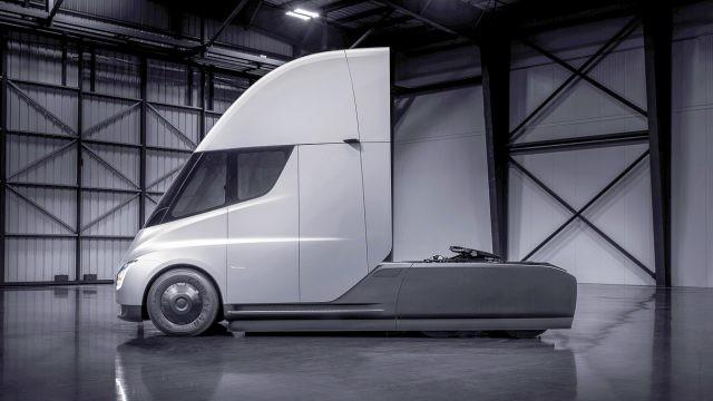 Tesla Semi4