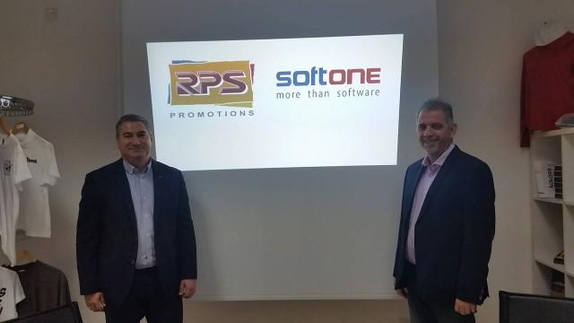 RPS κ. Ρένος Χατζηβασίλης ιδιοκτήτητης (από αριστερά) & Softone κ. Αντρέας Κυριάκου commercial Manager Softone
