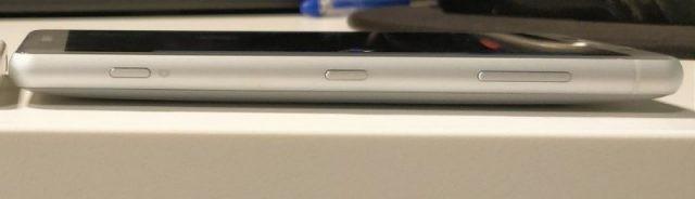 Sony-Xperia-XZ2-Compact-Prototype