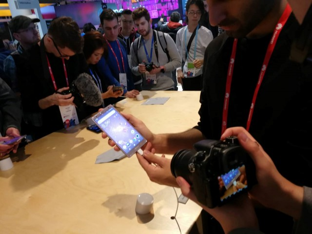 sony mobile mwc 2018 (4)