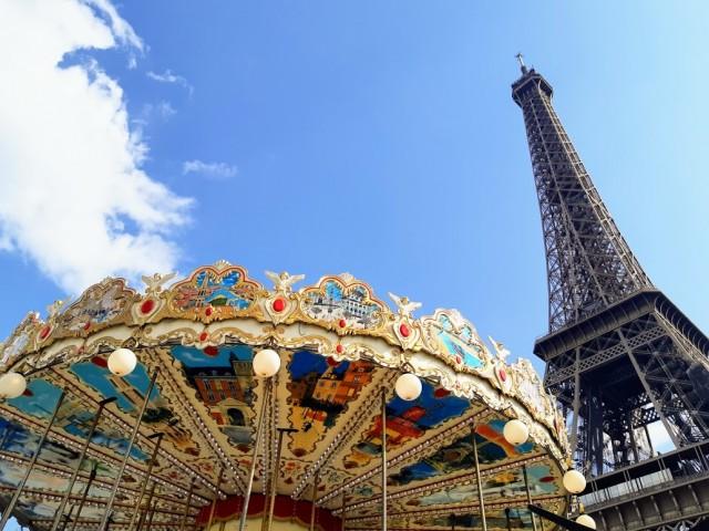 Το Παρίσι μας υποδέχθηκε με ήλιο, αλλά πήραμε μία γεύση και από το βροχερό καιρό του τη μέρα της παρουσίασης