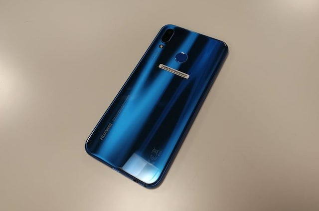 Huawei P20 Lite Hands-on photo 02