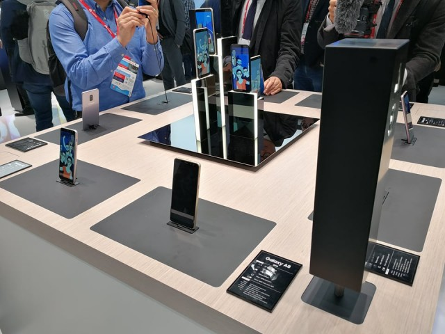 Samsung Booth Tour MWC 2k18 (9)