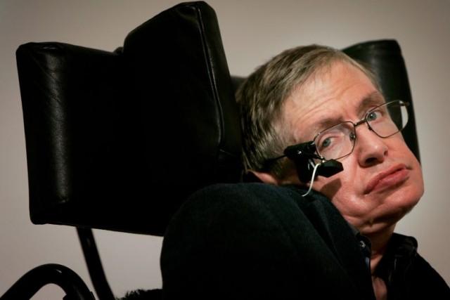 Έφυγε από τη ζωή ο Stephen Hawking
