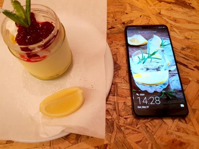 Huawei P20 Pro - Lifestyle