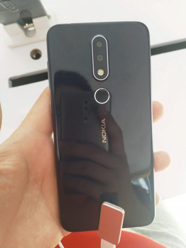 Nokia-X-back-768x1024