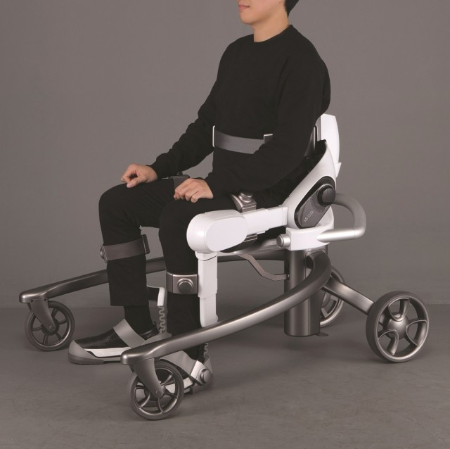 LG CLOi SuitBot Seated