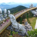 creative-design-giant-hands-bridge-ba-na-hills-vietnam-1