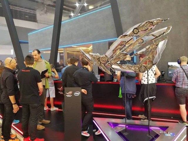 Asus Booth (11)