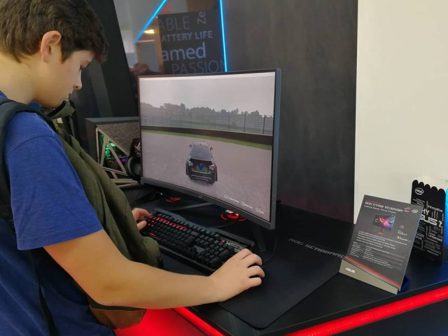 Asus Booth (4)